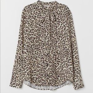🏷H&M Leopard Print Blouse with Ties